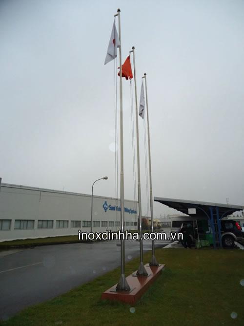 Cột cờ inox tại doanh nghiệp